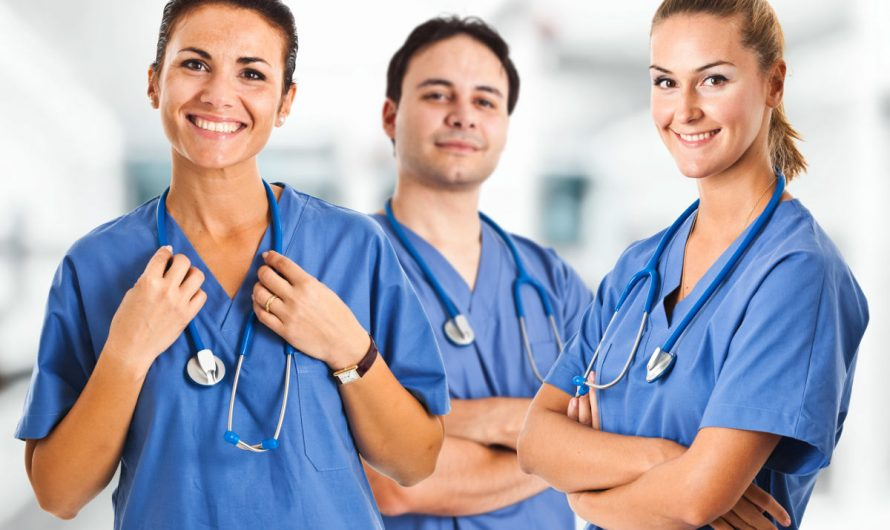 Key Factors to Consider While Buying Nurses Uniforms